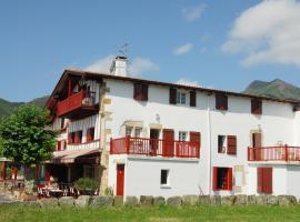 Hotel Pikassaria, hôtel à Sare près de: Le Train de La Rhune