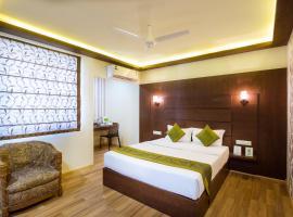 Treebo Trip Arastu Inn, hotel near Rajiv Gandhi International Airport - HYD, Hyderabad