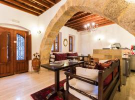 Camelot Traditional & Classic Hotel, hotel in Rhodes Town