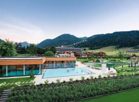 Ferienanlage Central, Hotel mit Pools in Flachau