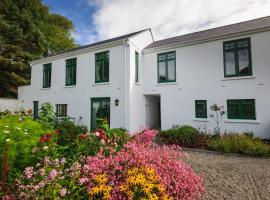 Milntown Self Catering Apartments, apartment in Ramsey