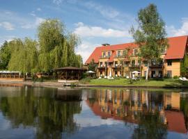 Hotel Strandhaus - Boutique Resort & Spa, boutique hotel in Lübben
