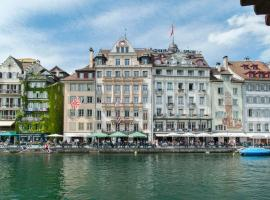 "Hotel Pickwick and Pub ""the room with a view"", hotel in Lucerne"
