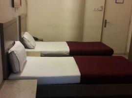 Hotel Zenith, hotel in Surat