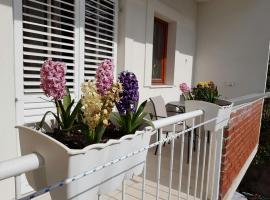 Apartment Vice mali, hotel near Kasjuni Beach, Split