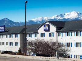 InTown Suites Extended Stay Colorado Springs, hotel near Falcon Stadium, Colorado Springs