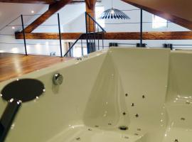 Les suites sainte claire, hôtel à Annecy près de: Palais de l'Ile