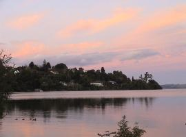 Koutu Beach Bed and Breakfast, B&B in Rotorua