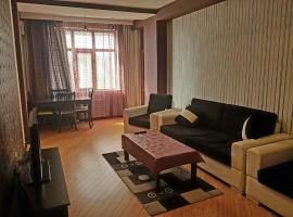 Apartment on MirQasimov st.29, hotel em Baku