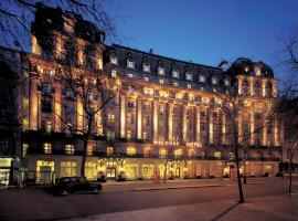 The Waldorf Hilton, hotel in London