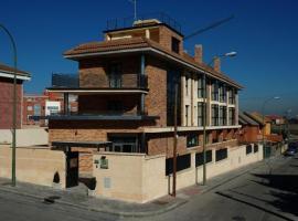 Hostal Los Coronales, hotel in Madrid