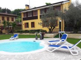 Country House La Montagnola, hotel a Valdobbiadene