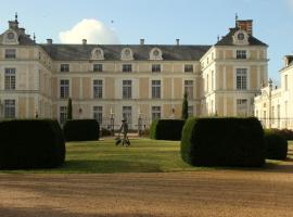 Chateau Colbert, hotel in Maulévrier