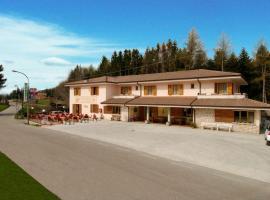Hotel Al Cacciatore, hotel in San Zeno di Montagna
