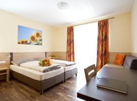 Pension Einsiedl, Bed & Breakfast in Ottenschlag