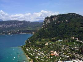 La Rocca Camping Village, campground in Bardolino