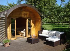 Orchard Farm Luxury Glamping, campground in Glastonbury