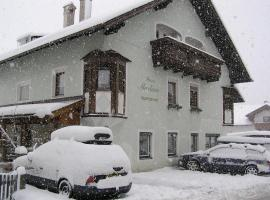 Haus Martina, pet-friendly hotel in Ehrwald