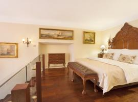 Iron Gate Hotel & Suites, hotel in Prague