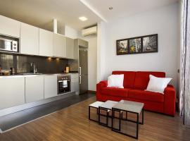 Loft Pere IV, hotel near Llacuna Metro Station, Barcelona