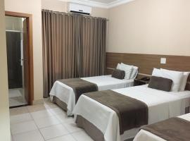 Silver Lis Hotel, hotel in Acailandia
