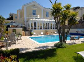 Riviera Lodge Hotel, hotel with jacuzzis in Torquay