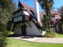 Cabana Vale do Bosque 3 -109, holiday home in Gramado