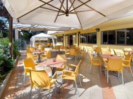 Hotel Levante, hotel in Cervia