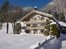 Landhaus Dax, country house in Kössen