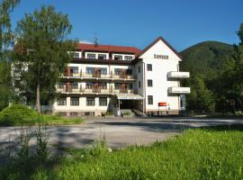 Hotel SOREA ĎUMBIER, hotel in Liptovský Ján