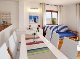 Apartamentos Sandic, apartment in Es Cana