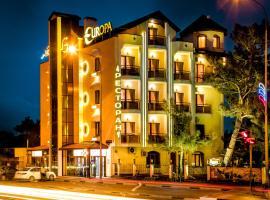 Hotel Europa, отель в Геленджике