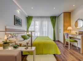 Room&studio Apartment Just Enjoy, apartment in Split
