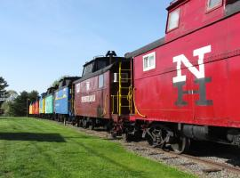 Red Caboose Motel & Restaurant, hotel in Ronks