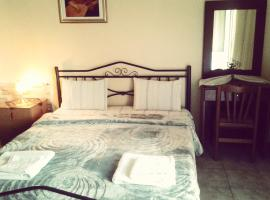 Guesthouse Adonis, hotel in Kato Loutraki