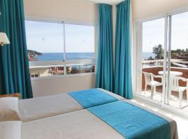 Hotel Gran Garbi Mar & AquaSplash, hotel near Modernist Cemetery, Lloret de Mar