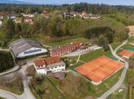 Hotel & Tennis Riederhof, hotel near Graz Clock Tower, Mantscha