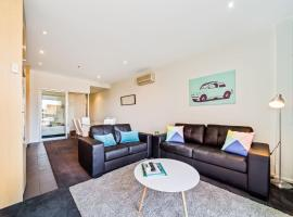 York Apartments, hotel near Ayers House Museum, Adelaide