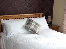 Plougastel House B&B, bed & breakfast a Westport
