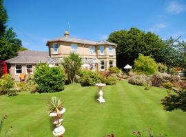 Somerton Lodge Hotel, guest house in Shanklin
