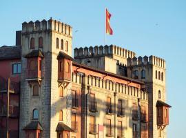 4-Sterne Burghotel Castillo Alcazar, Europa-Park Freizeitpark & Erlebnis-Resort, hotel in Rust