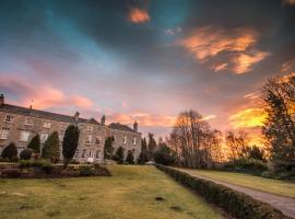 Castle Hotel, hotel in Huntly