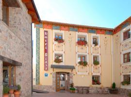 Hotel Plaza, hotel en Castejón de Sos