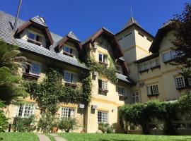 Tri Hotel Le Chateau, hotel in Gramado