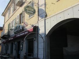 Hotel Excalibur, hotell i Revello