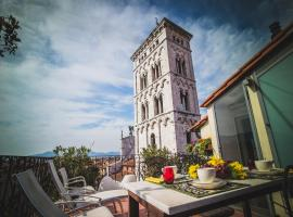 Palazzo Rocchi, hotel in Lucca