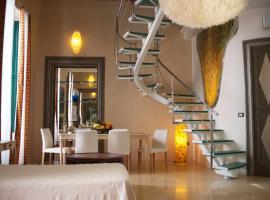 Palazzo Salapolis - Luxury Apartments, hotel in zona Cattedrale di Sant'Agata, Gallipoli