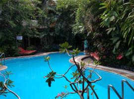 Secret Garden Inn, hotel near Kuta Art Market, Kuta