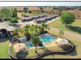 Hilltop Resort, hotel in Swan Hill