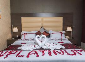 N Platinum Hotel, hotel em Medina